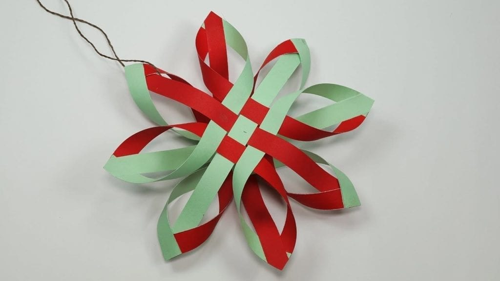 How To Make Paper Snowflakes For DIY Christmas Decorations ...